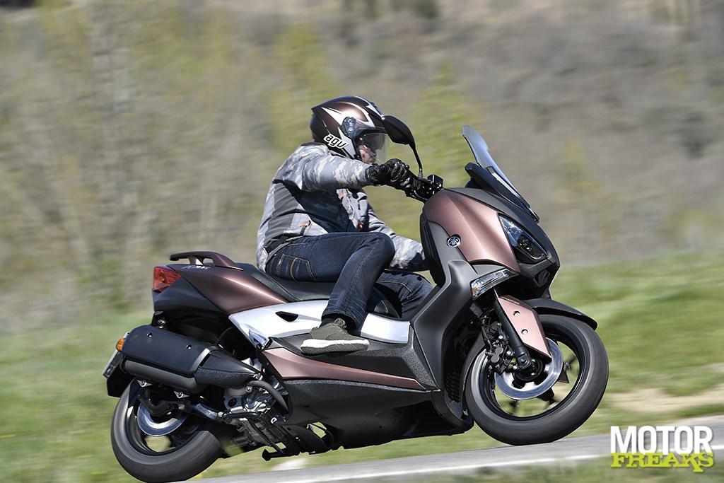 Te Koop: YAMAHA X MAX 300 R - BikeNet