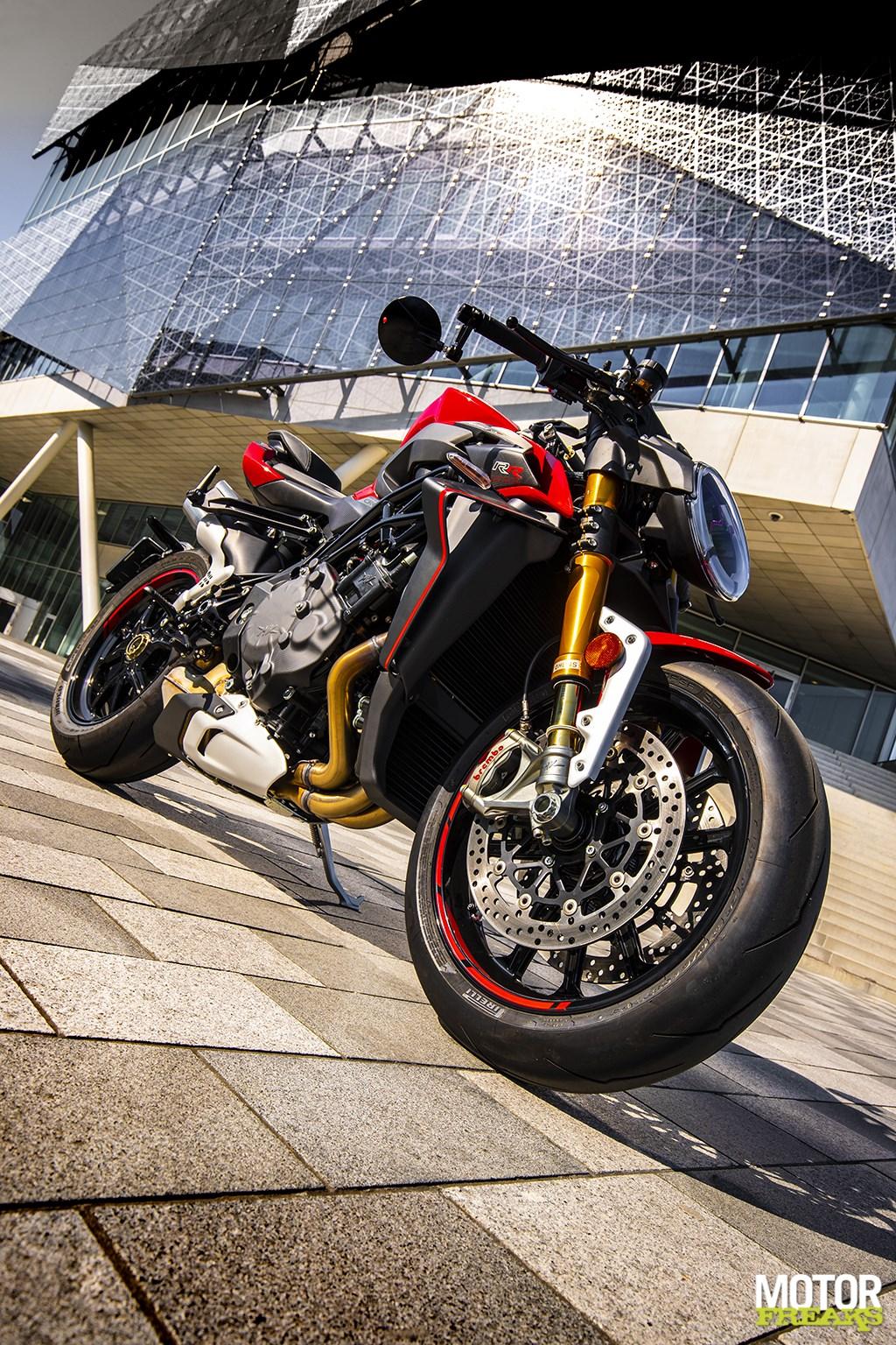 Motorfreaks - Test: MV Agusta Brutale 1000 RR - Next