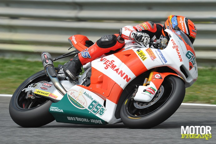 Stefan_Bradl_Estoril_2011_Moto2