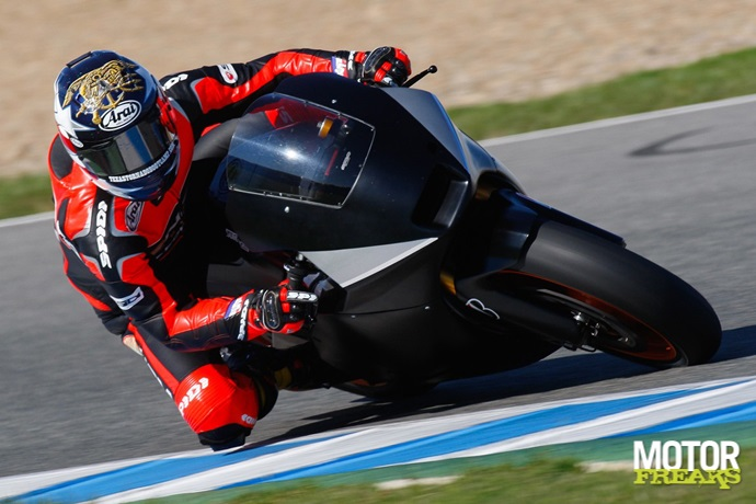 Colin_Edwards_NGM_Forward_Racing_Jerez_test_2011