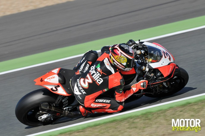 Max_Biaggi_Magny_Cours