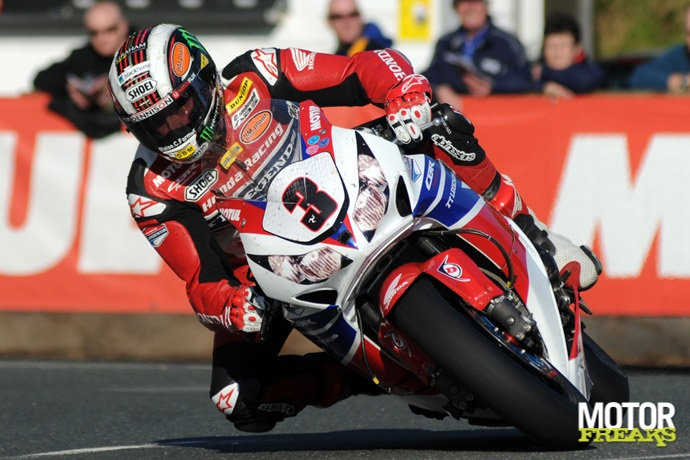 John McGuinness_2013_Isle_of_Man_TT