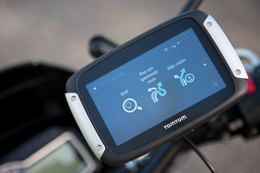 motorfreaks uit de praktijk test tomtom rider 400. Black Bedroom Furniture Sets. Home Design Ideas