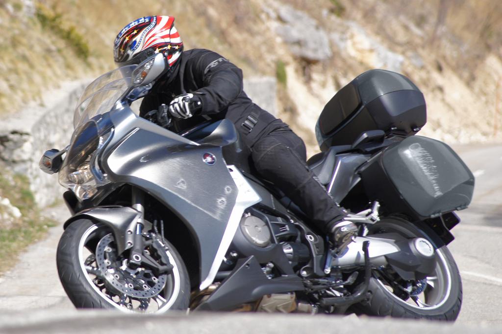Motorfreaks - Test: Honda VFR1200 DCT - Sportief genoeg?